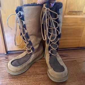 UGG LACE UP BOOTS!